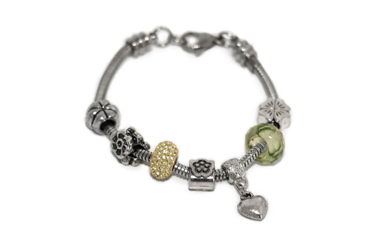 """Bracciale tipo """"PANDORA"""" tema natura con Charms colore Nichel, Perle e Pandorina strass colore Verde"""