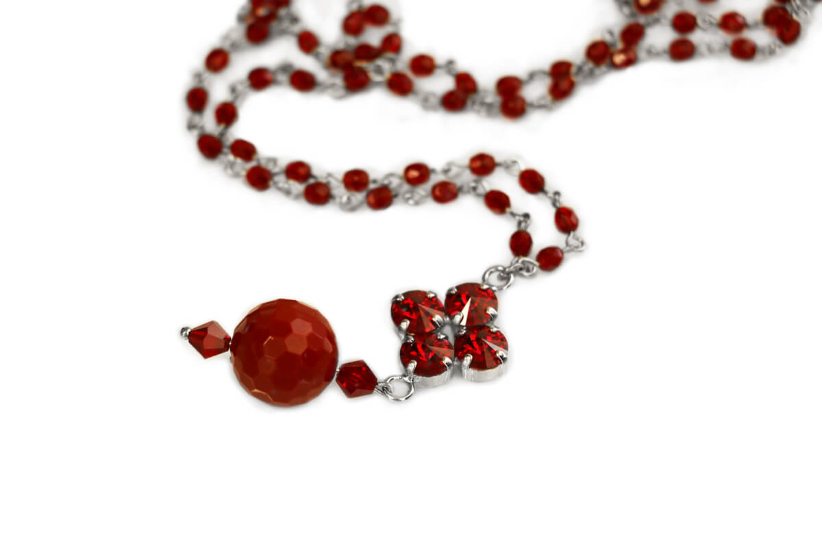 Collana catena Rosario colore Rosso con Pendente a rombo con Cristalli Swarovski e Perla Plexi