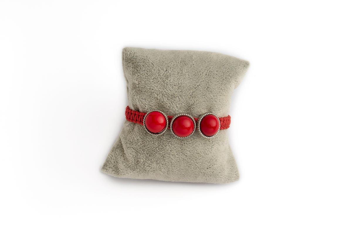 Bracciale in macramè con tre divisori con Cabochon in vetro colore Rosso