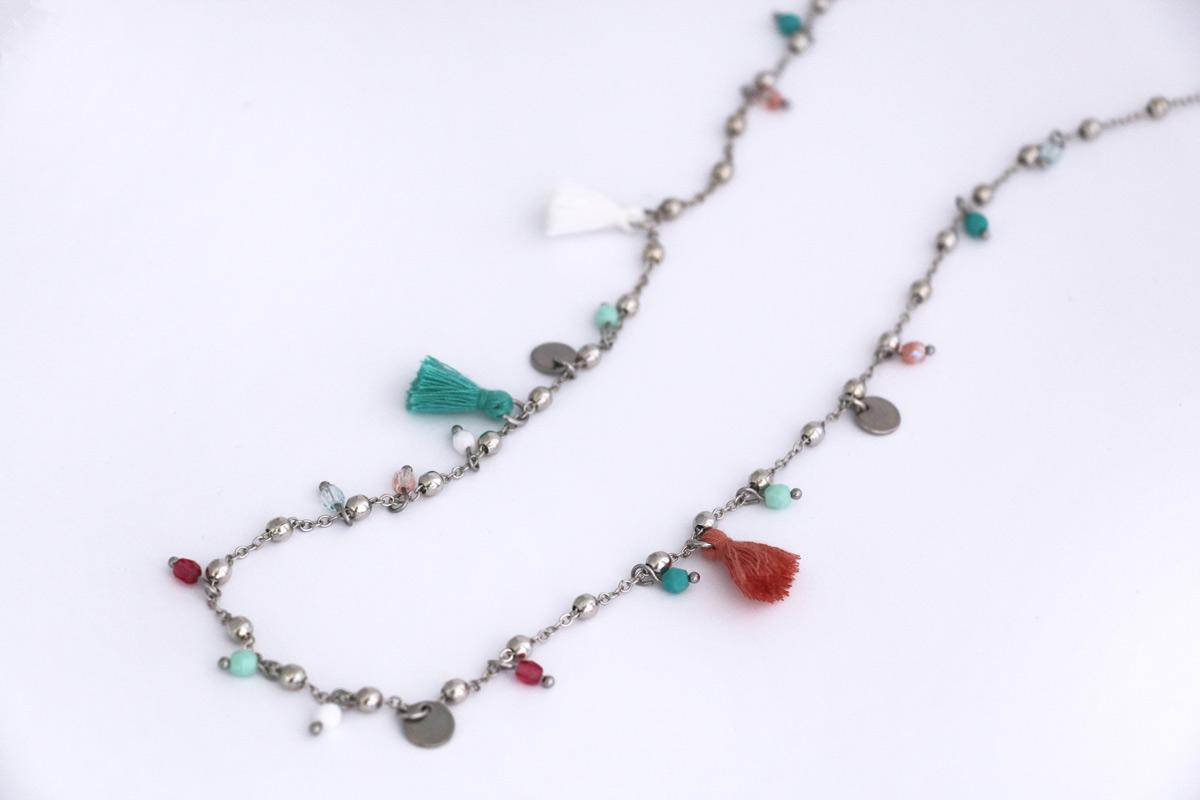 Collana lunga con catena rosario colore Nichel, Perle mezzo cristallo e Nappe colorate